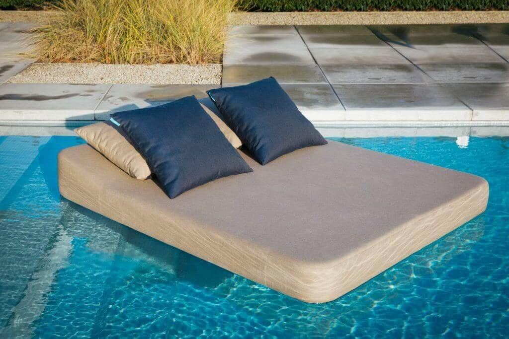 Mr-Blue-Sky deco cushions